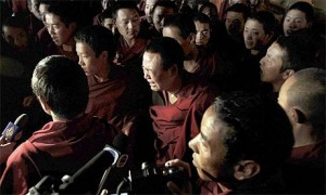 Tibetan monks interrupted a Chinese government-organised media tour in June 2008 at Jokhang Temple in Lhasa. [Photo: AP]