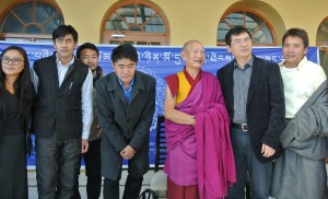 His Eminence Kirti Rinpoche and Chang Ping with the organisers.