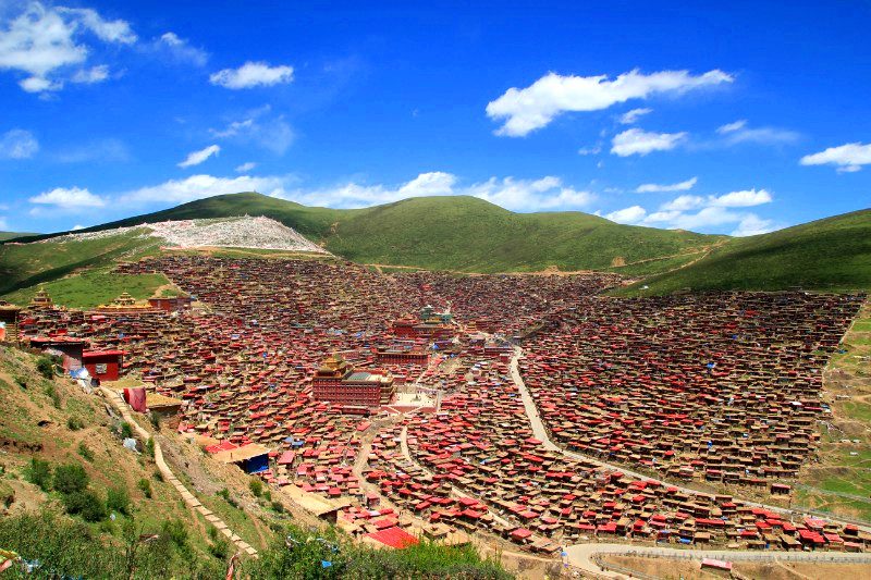 A view of Larung Gar